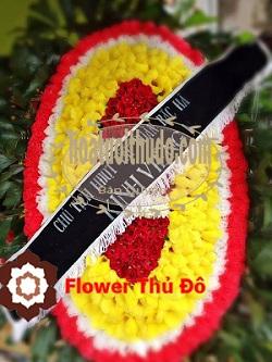 vòng hoa tại đường phạm hùng